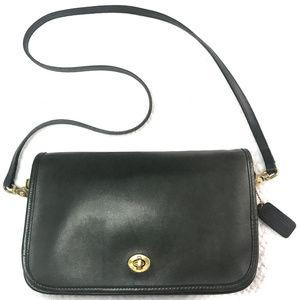 Authentic Vintage Classic Coach City bag